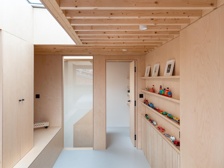 Two and A Half Storey House, Bradley Van Der Straeten Architects